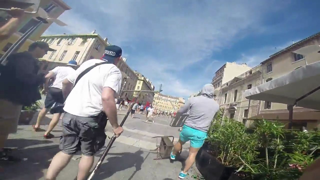 Hooligans Russes Vs Holligans Anglais  Marseille Pov-3202